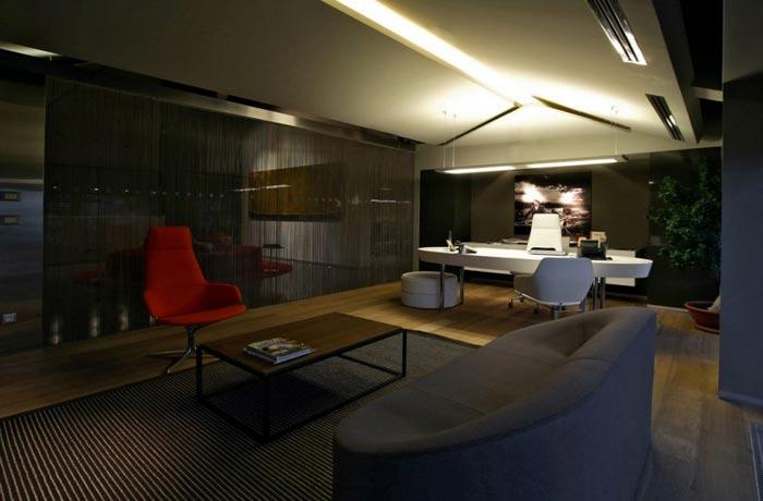 Bureaux design de Bilgili fauteuil rouge