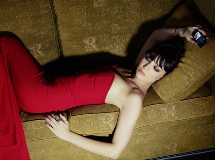 Campagne Sony Ericsson avec Daisy Lowe