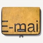 Pochette pour MacBook Freitag jaune E-mail