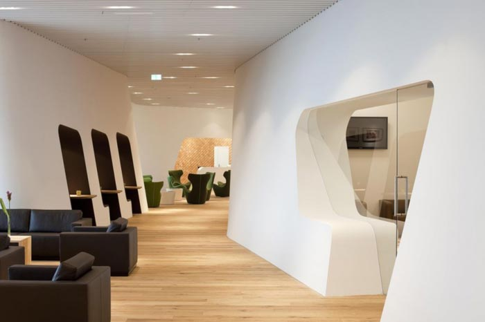 Salon VIP WING par Erich Gassman et Tina Aßmann