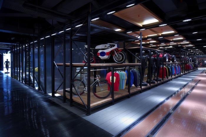 Store Pirelli de Milan