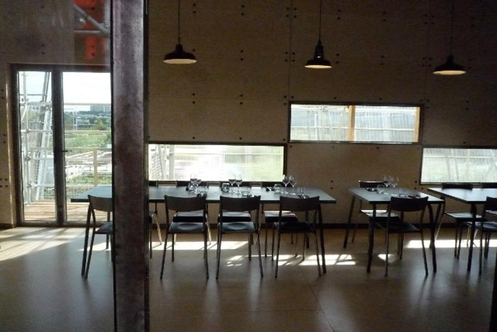 Vue-interieure-Les-grandes-Tables-de-l'Ile
