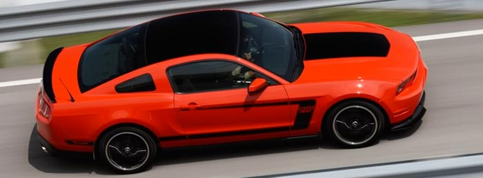 Ford-Mustang-version-2012