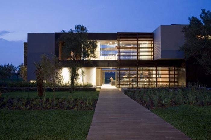 maison design en afrique du sud arkko. Black Bedroom Furniture Sets. Home Design Ideas