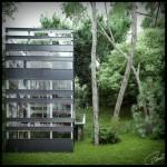 Maison japonaise design en pleine foret