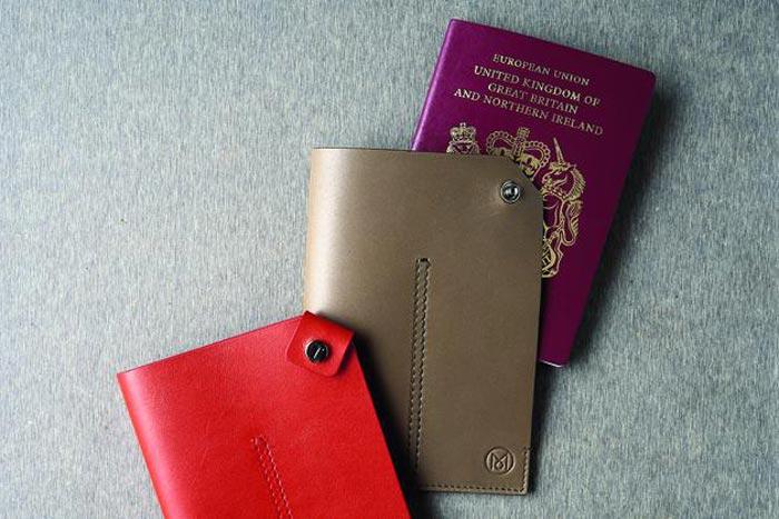 Pochette pour passeport Tods et Monocle