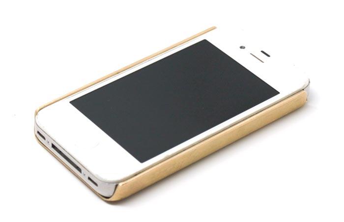 Coque iPhone design en or chez Mansai