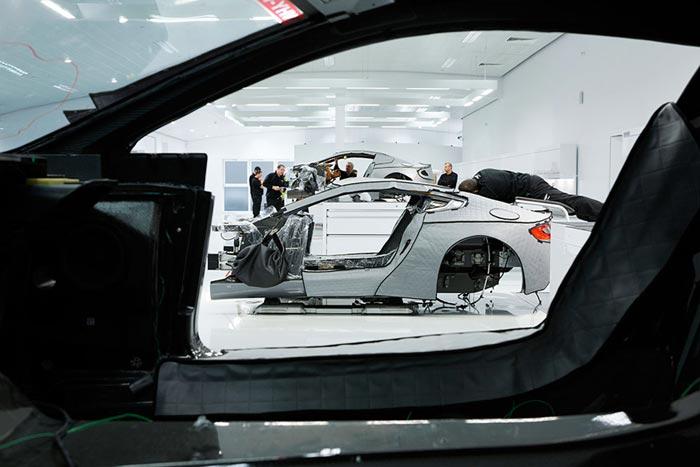 Fabrication Aston Martin One-77 Supercar