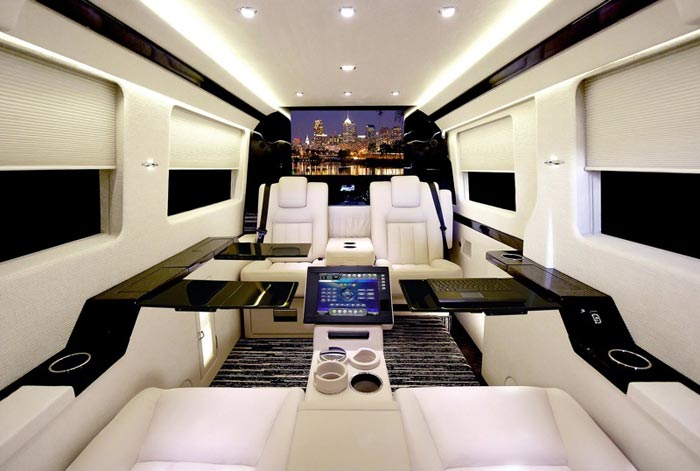 mercedes benz sprinter jetvan interieur noir et blanc arkko. Black Bedroom Furniture Sets. Home Design Ideas