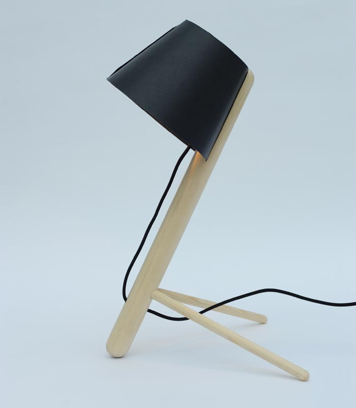 Pine Lamp par MadeByWho noire