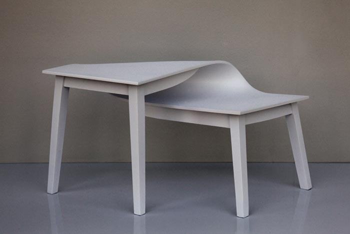 Table Contorsion par Suzy Lelievre