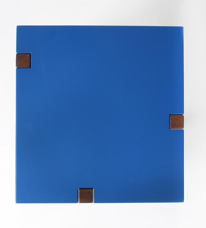 Table design bleue