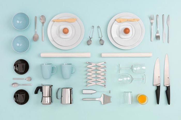 Accessoires de table IKEA mis en scene par Carl Kleiner
