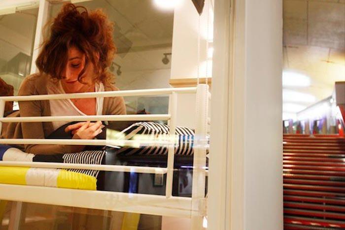 Appart IKEA dans le metro parisien