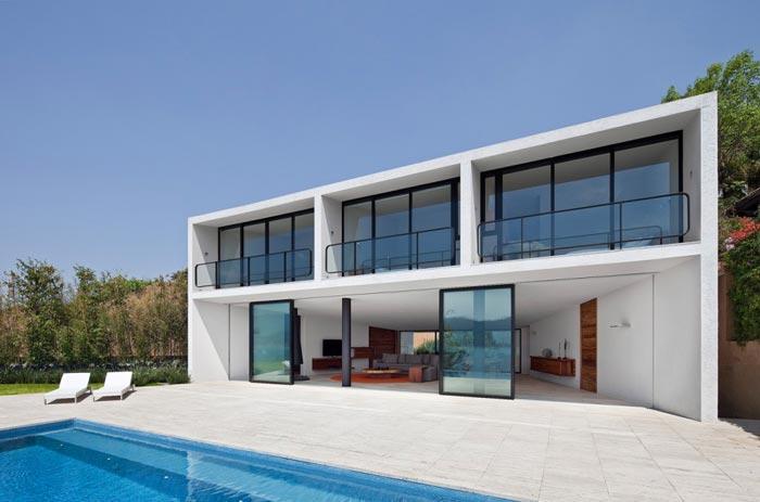 Maison design mexicaine terrasse arkko for Maison design
