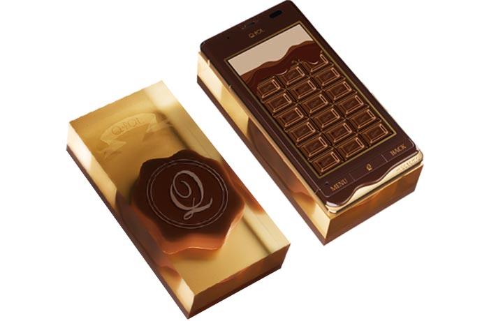 Telephone chocolat et son chargeur