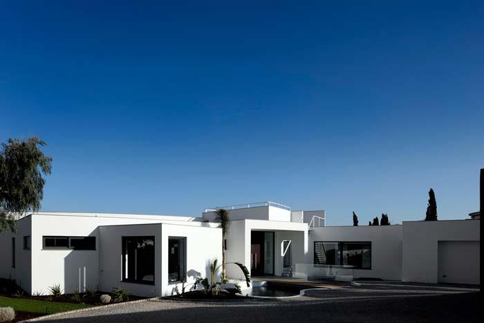 Colunata House