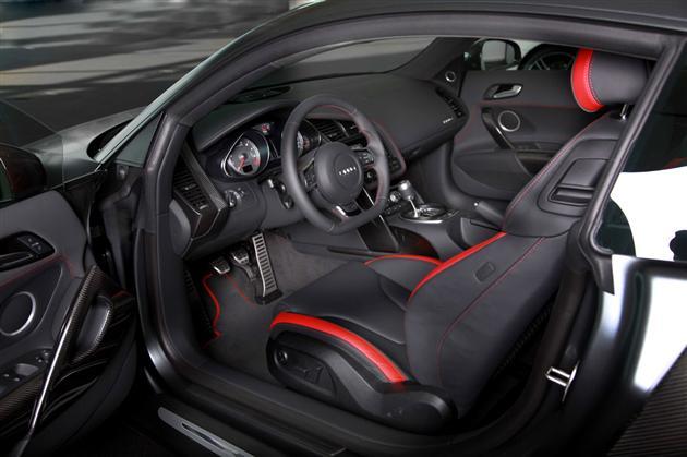 interieur-Audi-R8-2012