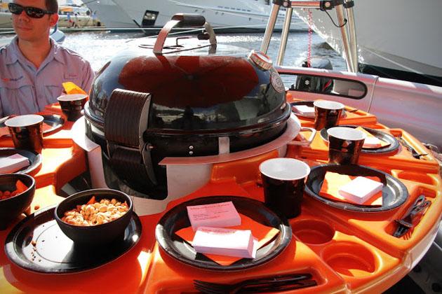 barbecue-bateau-donut-01