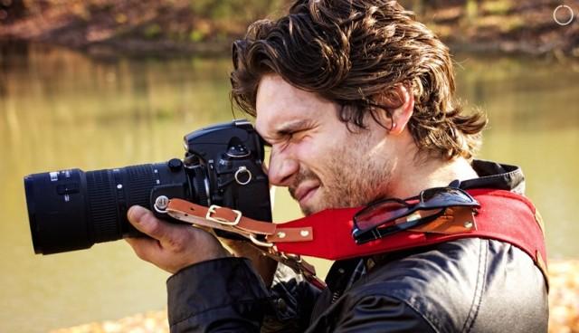 Sangle pour appareil photo avec rangements intégrés