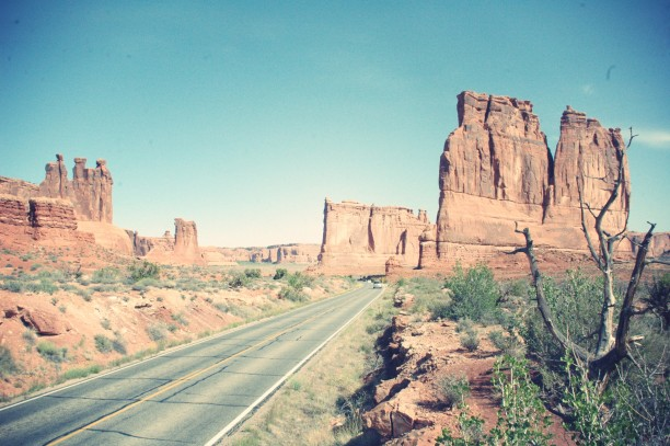 Arch-National-Park-Scenic-View.JPG_effected-e1376992874364