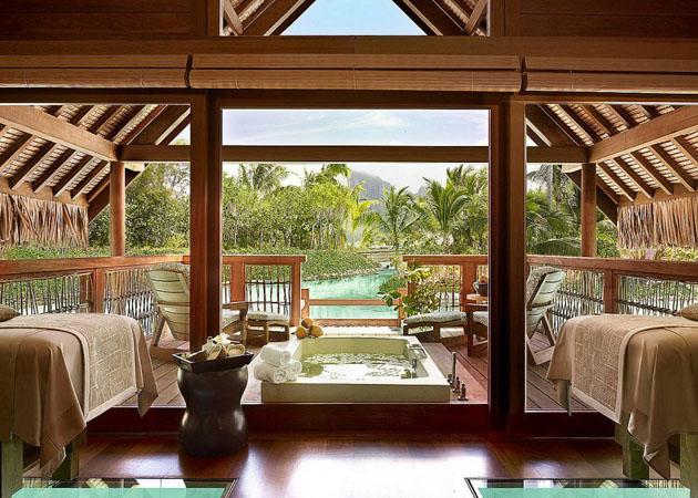 Four-Seasons-Resort-Bora-Bora-10