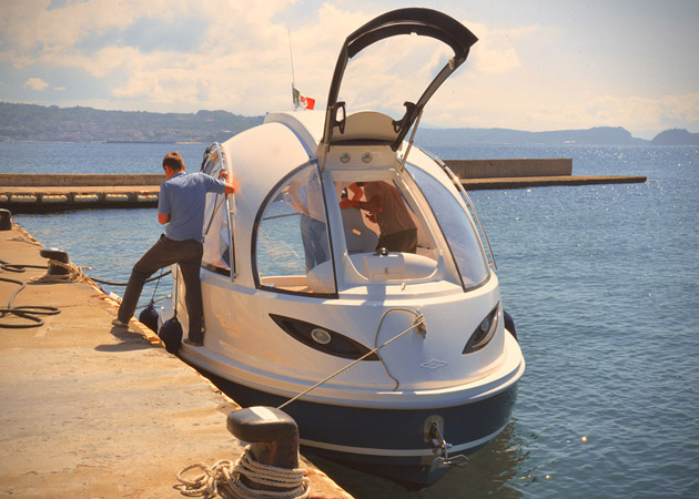 Jet-Capsule-Miniature-Luxury-Yacht-3