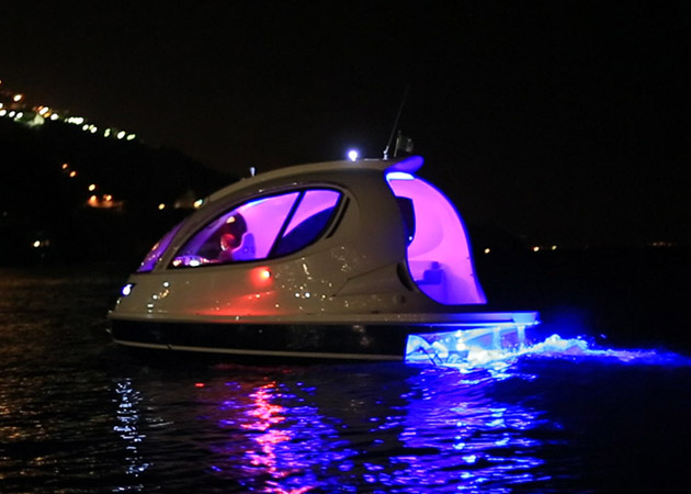 Jet-Capsule-Miniature-Luxury-Yacht-5