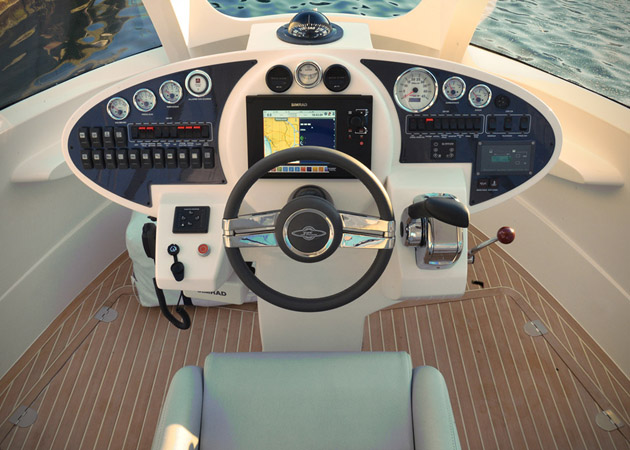 Jet-Capsule-Miniature-Luxury-Yacht-8