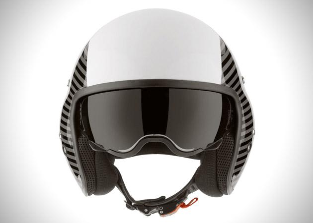 casque de moto diesel version pilote d 39 h licopt re. Black Bedroom Furniture Sets. Home Design Ideas