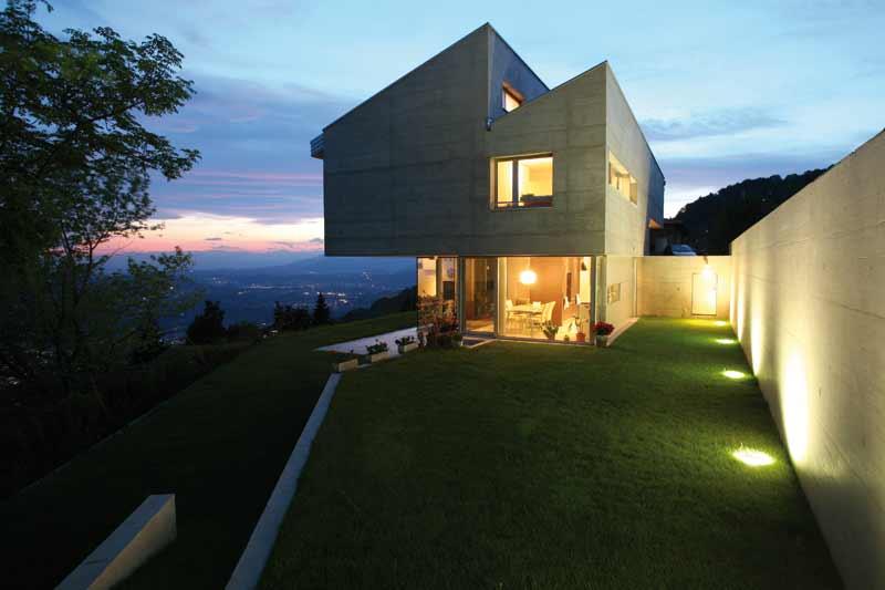 Des clairages led dans votre maison for Spot sol encastrable exterieur