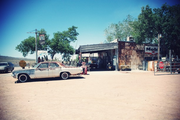station-service-hackberry-route66