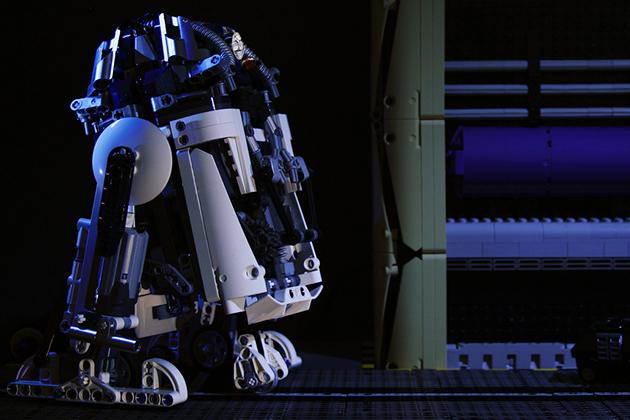R2-D2-LEGO-02