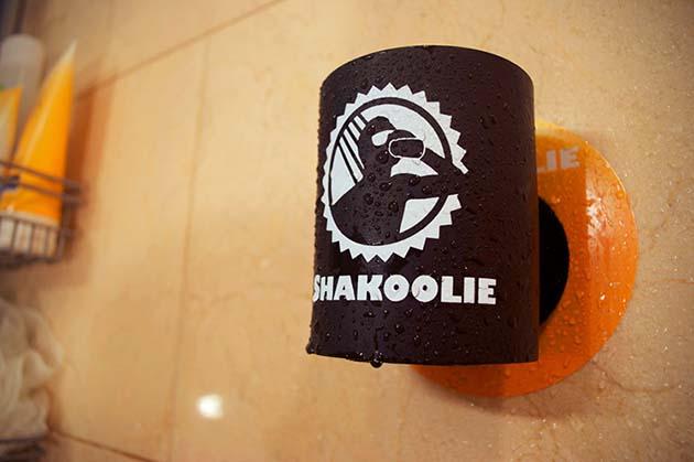 Votre bière toujours à portée de main, même sous la douche !