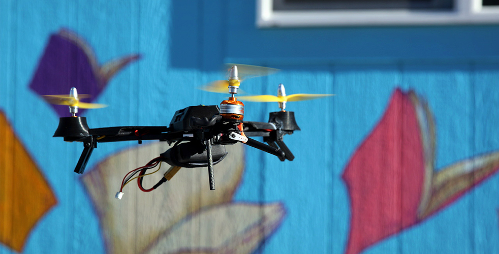 mini drone avec support gopro. Black Bedroom Furniture Sets. Home Design Ideas