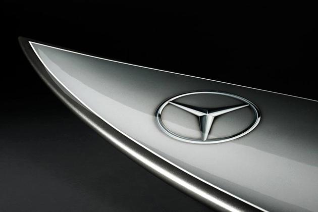 planche-surf-Mercedes-Benz