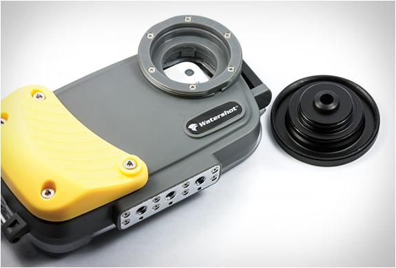 boitier-etanche-watershot-pro-iphone4
