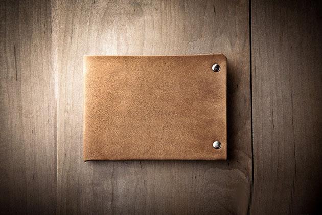 portefeuille-minimaliste-design-cuir-01