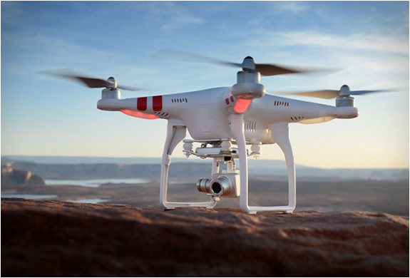drone-design-dji-phantom-2-vision-plus-02