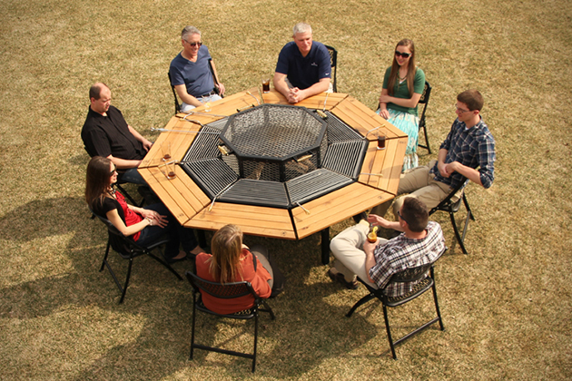 table-barbucue-8-personnes