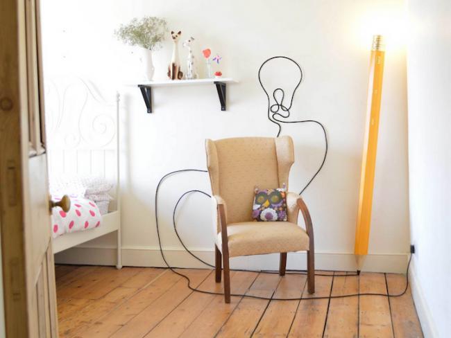 Lampe design en forme de crayon de papier