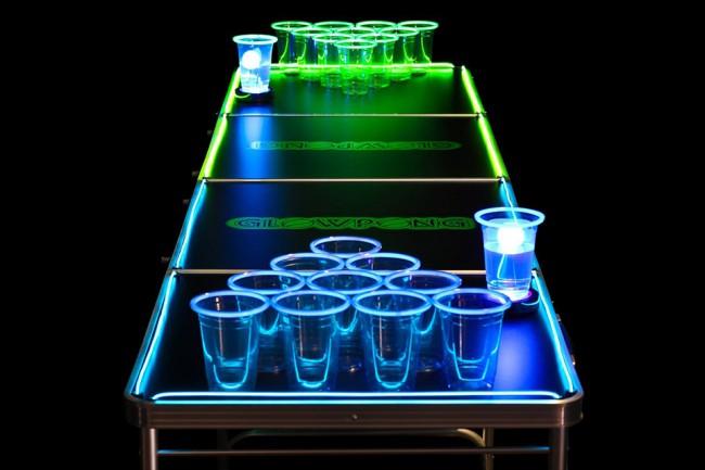 Table de beer pong lumineuse pour jouer dans le noir