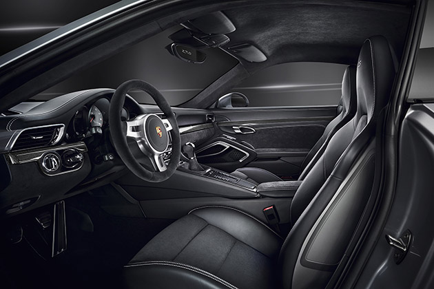 Porsche-911-GTS-2015-08