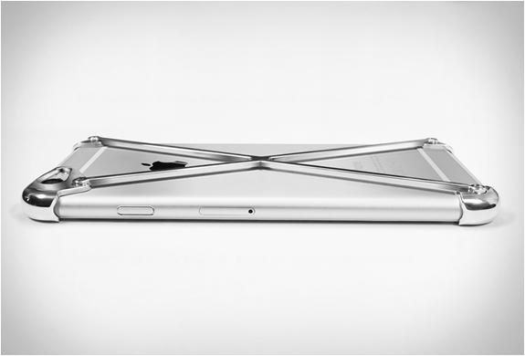 coque-aluminium-minimaliste-iphone-03
