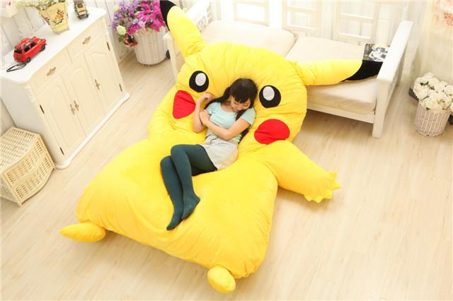 lit-pikachu-geant