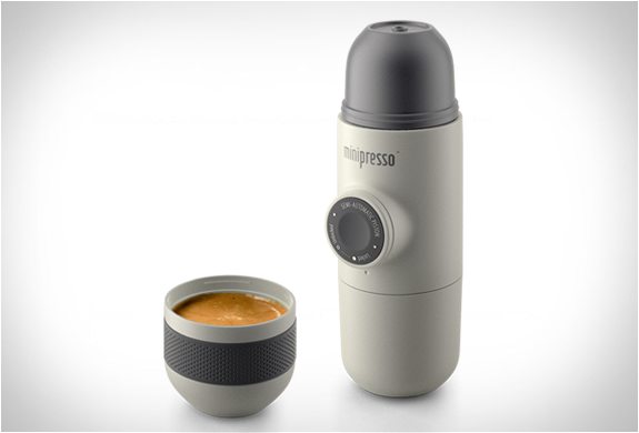 minicafetiere-expresso-portable-01