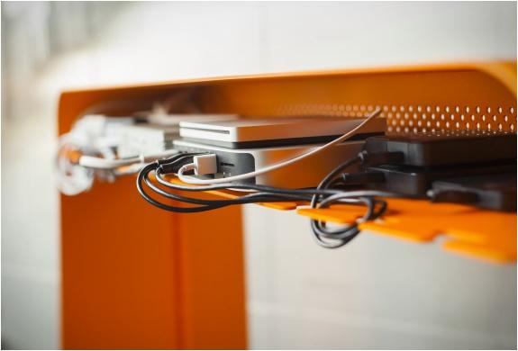 bureau-avec-chemin-de-cable
