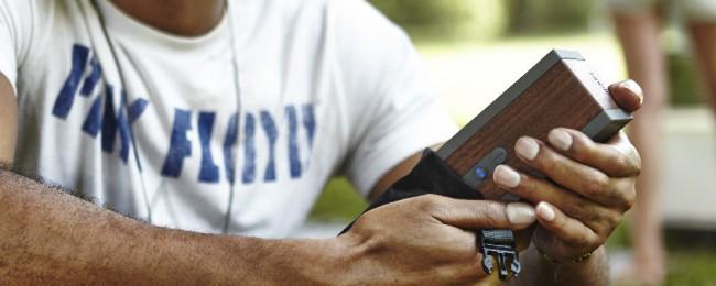 Enceinte Bluetooth qui tient dans la main