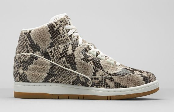 baskets-nike-air-python-premium-05