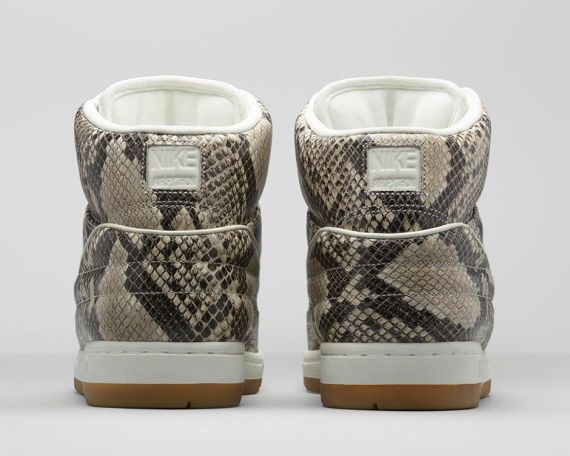 baskets-nike-air-python-premium-06